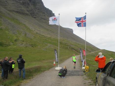 Á marklínunni í Dýrafirði. 45 km að baki. (Ljósm. Björk Jóh.)
